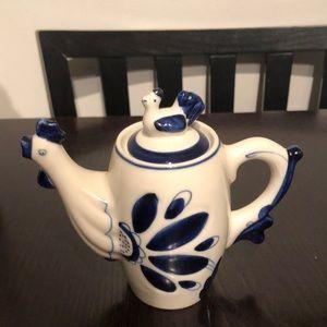VTG Gzhel Ceramic Tee/Coffee Pot 8oz